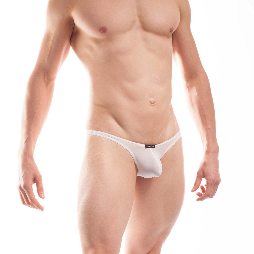 BEUN BASIC MINI STRING Crema, weiß, Naturweiss.Mhhh lecker! So viel Sexappael ist kaum auszuhalten. Verführerisch transparent, ekstatisch gepusht und sündhaft knapp. Der BEUN PushUp String ist gerade im dezent durchscheinenden Crema umwerfend sexy. Viel zu schade, ihn nur unter der Hose zu tragen, auch wenn er noch so bequem ist. Richtig zur Geltung kommt der chlor- und salzwasserbeständige Beach und Underwear String erst beim Sprung ins kühle Nass.