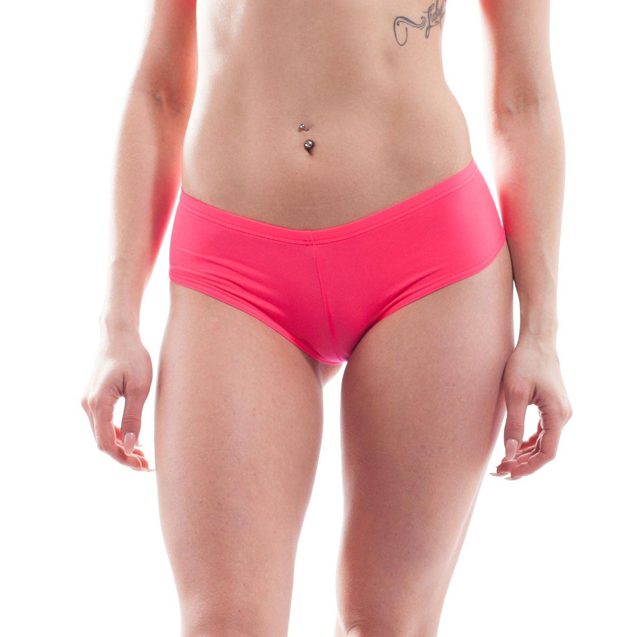 Immer vorrätig, denn die BEUN Damen Hotpants320F8C ist Never-Out-of-Stock und gehört damit zu den Wojoer NOS-Produkten. Größen Erhältlich in den Größen S, M, L, XL Materialzusammensetzung BEUN: 82% Polyamid, 18% Elasthan Besonderheiten NOS Produkt | badetauglich | seidenmatte Oberflächenoptik | leicht transparent | luftig | schnell…