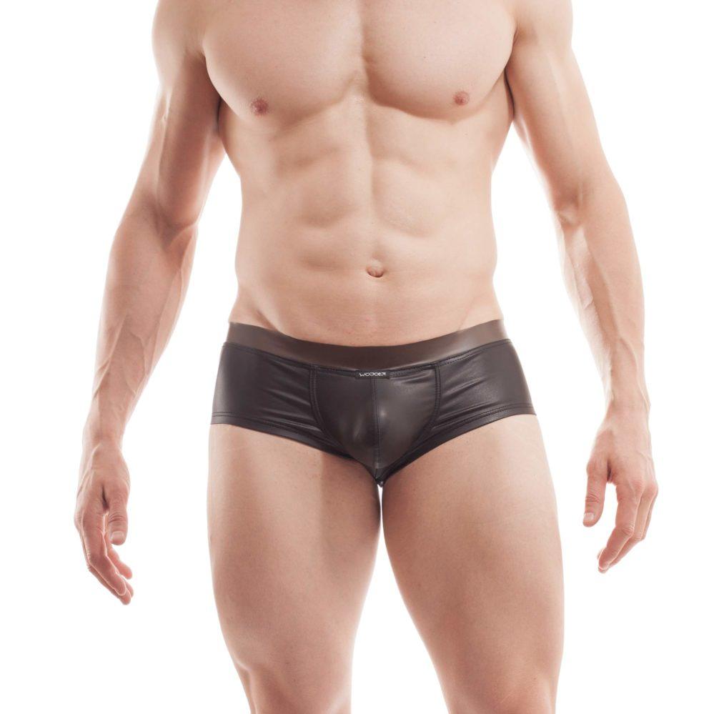 """Hauteng zeigt sich dieser Funplastic Hipster 373W452.1 und gehört in die Kategorie """"LIVE""""-Produkte. Produktion nur auf Bestellung. Größen Erhältlich in den Größen S, M, L, XL Materialzusammensetzung Gummi: 100% Thermoplastisches Polyurethan TPU   Leather like: 92% Polyester und 8% Elasthan Besonderheiten LIVE Produkt   Leatherlike  …"""