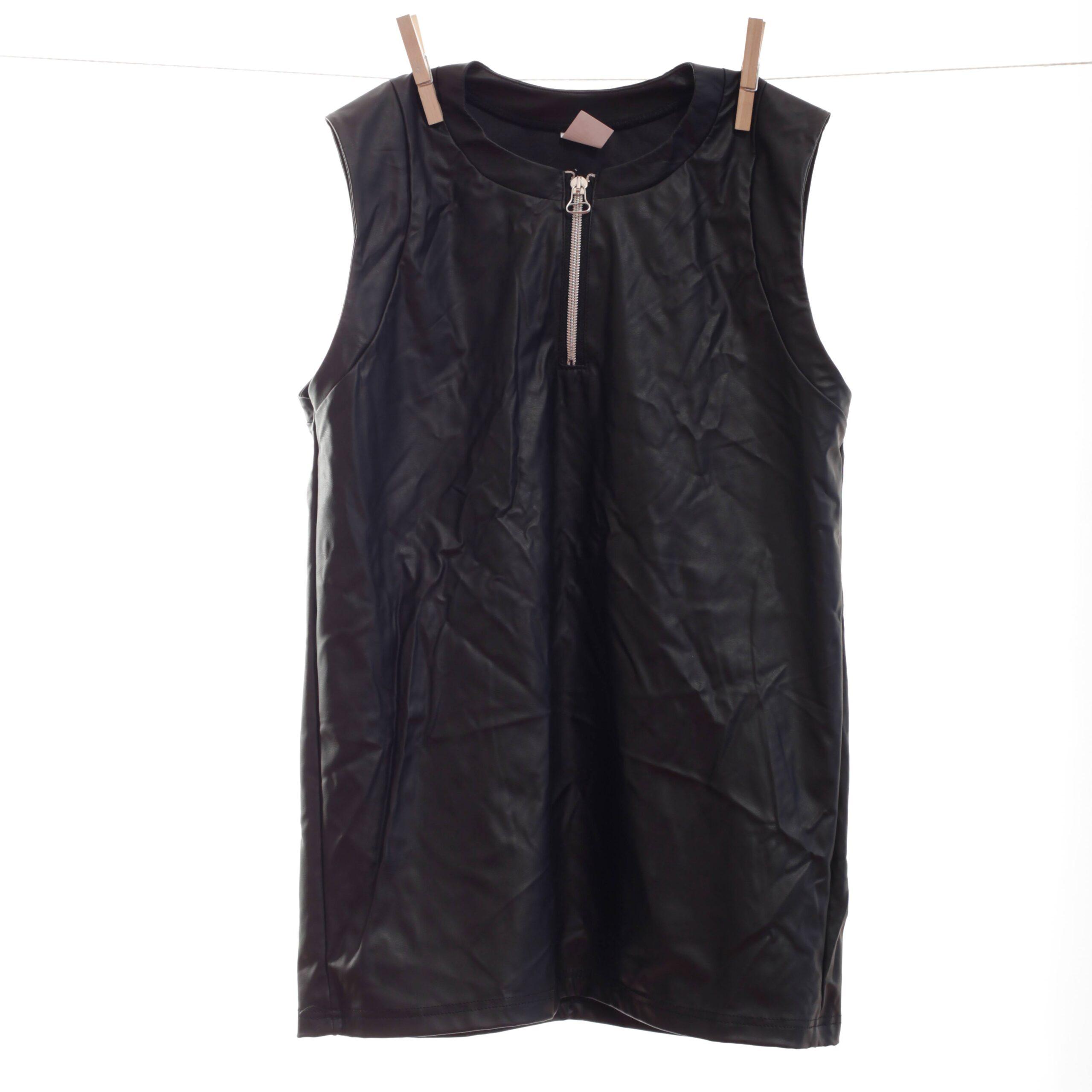 Dieser edle Leatherlike Shirt mit Reißverschluss ist ein Only for Me Produkt. Das heißt, es gibt dieses Shirt online nur bei uns – in begrenzter Stückzahl! Also schnell zugreifen. Größen Erhältlich in den Größen S, M, L Materialzusammensetzung festes Leatherlike: 40% Polyester | 60%…
