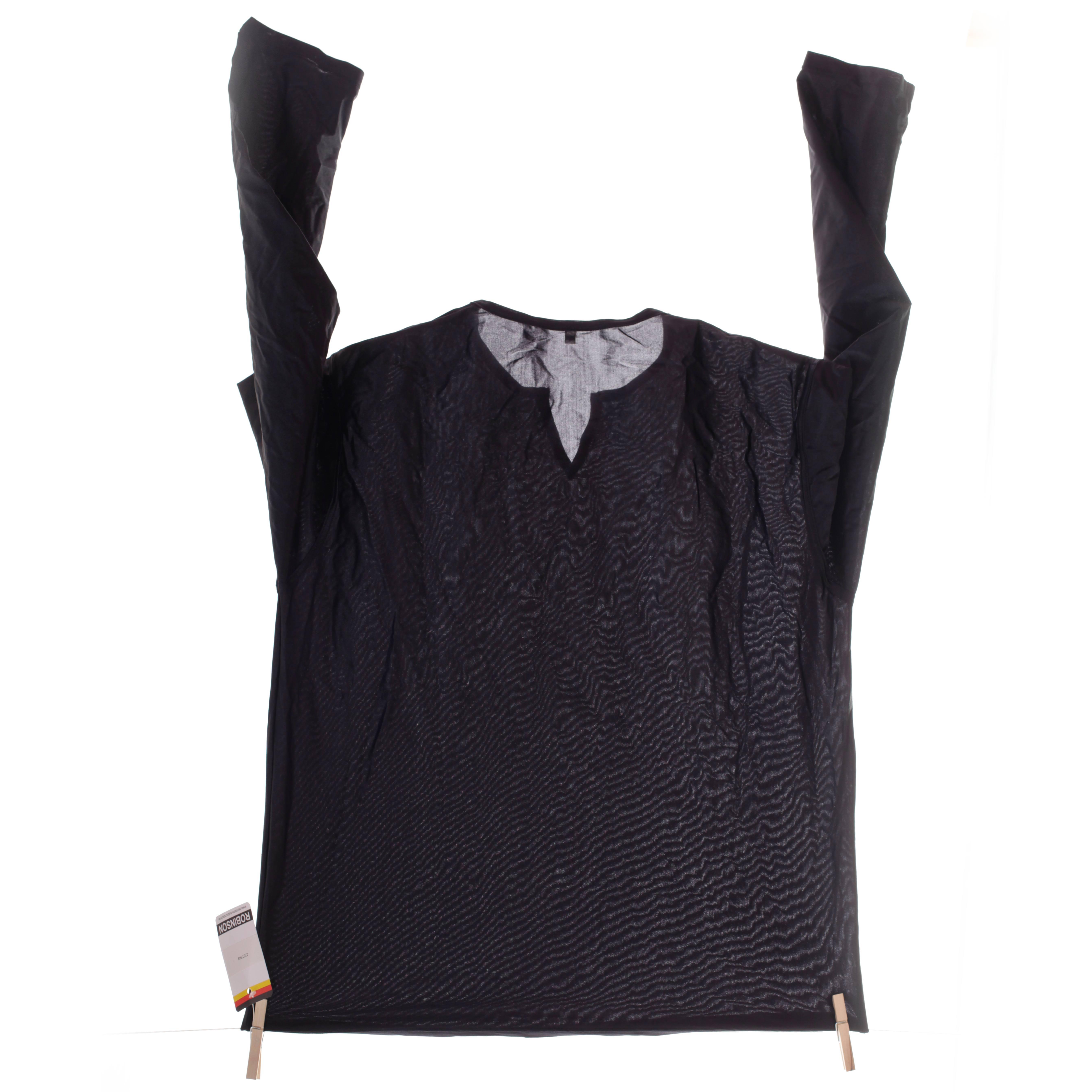 Schwarzes mattes -Shirt mit leichten V-Kragen Ausschnitt E314 ist ein ONLYforYOU Produkt und ist nur einmalig erhältlich.  Used Look durch einen extra weiten Schulterschnitt Größen Erhältlich in den Größe M Materialzusammensetzung 80% Polyesther 20% Elasthan Besonderheiten ONLY FOR ME Produkt | besonders feines, mattes, dehnbares Kunstleder, fast…