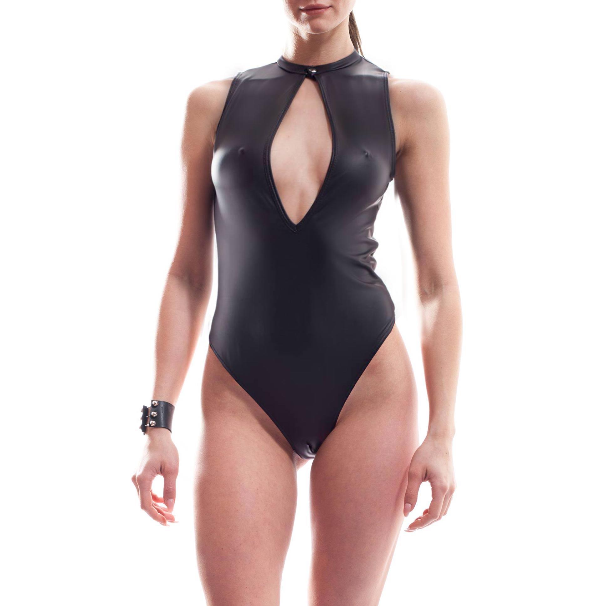 Dieser Damen Ouverte Body gehört zu den Wojoer LIVE-Produkten. Sie werden ab Bestellung bei uns produziert. So können wir auf Kundenwünsche individuell eingehen. Größen Erhältlich in den Größen S, M, L, XL Materialzusammensetzung Leatherlike: 92% Polyester | 8% Elasthan Besonderheiten LIVE Produkt | frontaler Overt Schlitz…