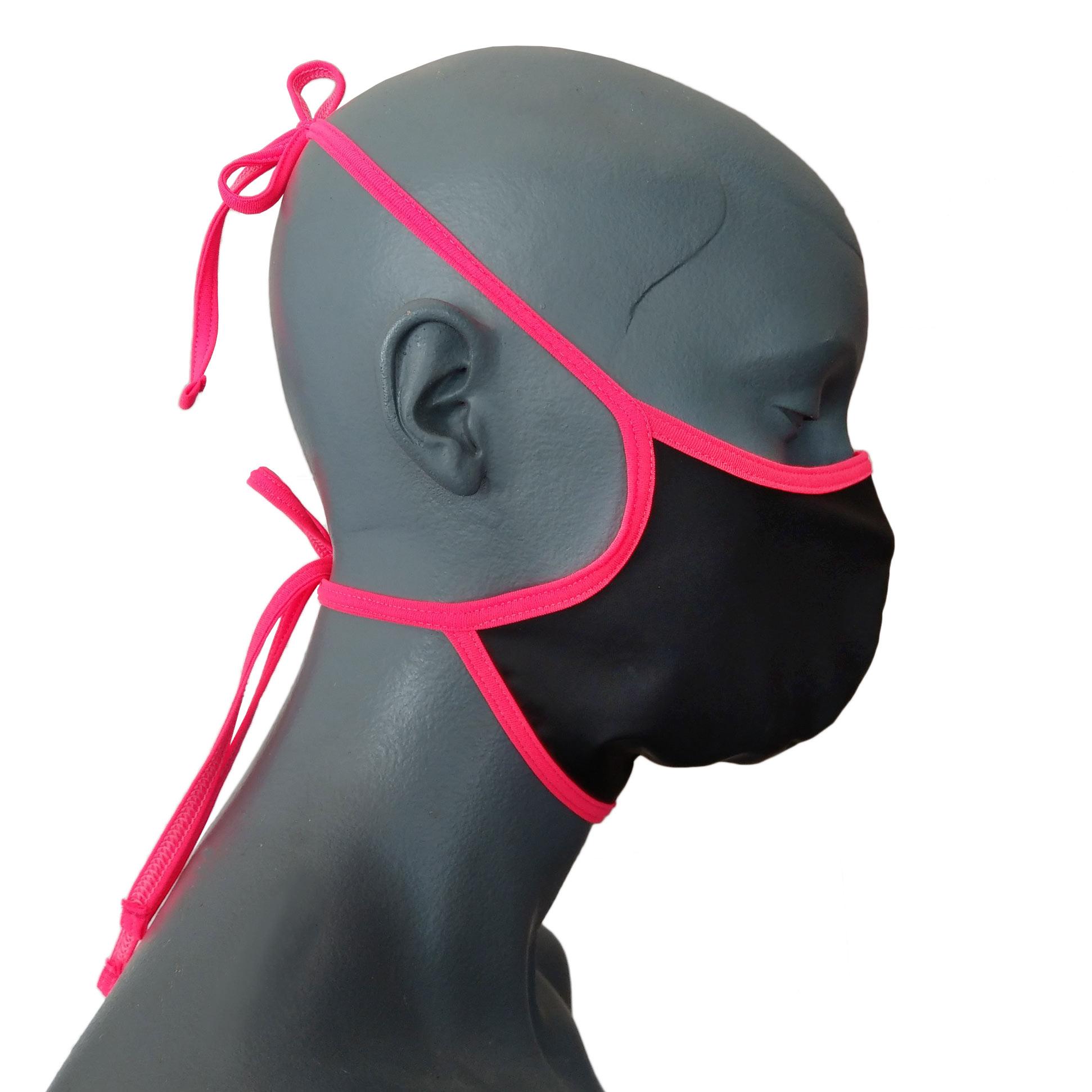 Die mystisch schwarze Synlex Fetisch Maske 331M4 gehört zu den Wojoer LIVE-Produkten. Sie werden ab Bestellung bei uns produziert. So können wir auf Kundenwünsche individuell eingehen. Größen Erhältlich in den Größen Unisize Materialzusammensetzung Hauptmaterial: Synlex²: matt anthrazit farbenes Synthetisches Silikon/Latex mit weichem Innenfutter made…