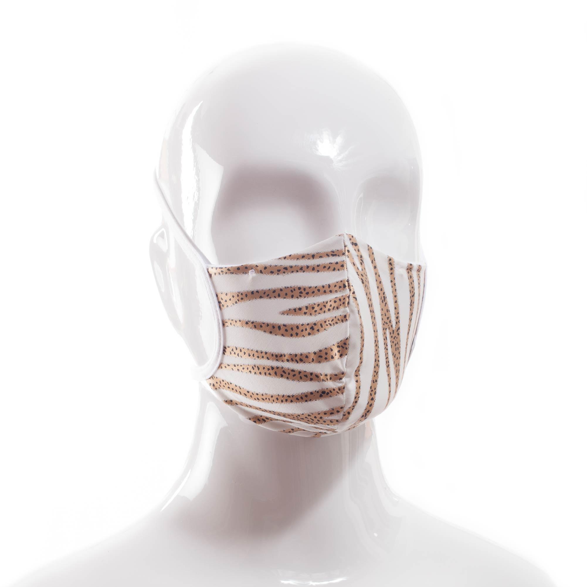Die Baumwoll-Polyester Mund-Nasen Maske BWM4Tiger von der Wonneberger Manufaktur ist eine textile Behelfsmaske, kein zertifizierter Mundschutz.  Sie schützt nur bedingt vor Ansteckung. Ihr eigentlicher Zweck ist es, den Atem des Trägers zu filtern und dadurch seine Umgebung zu schützen.  Daher muss die…