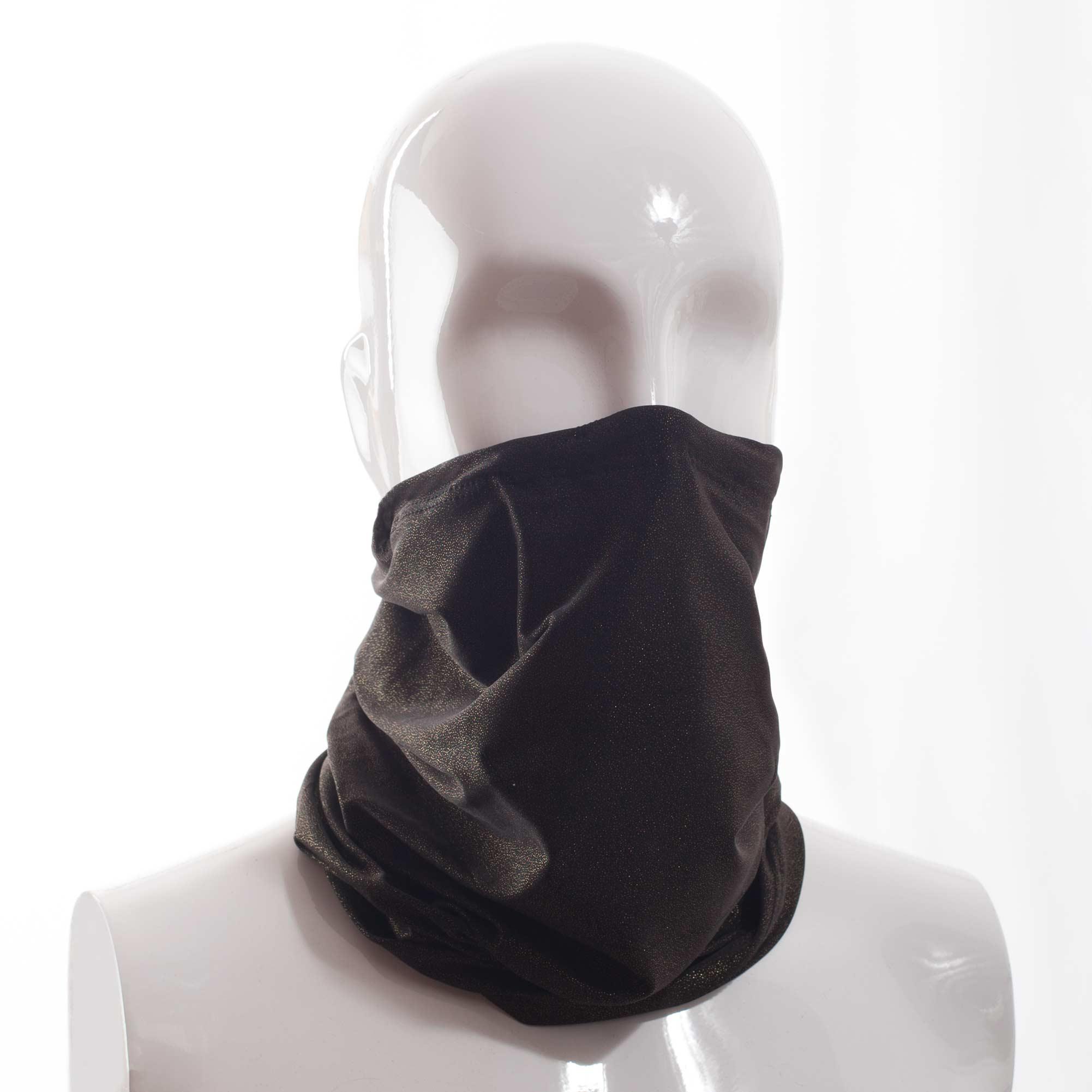 Der Mund-Nasen-Maske-Schal Loop-Mask aus feinem Micromaterial von der Wonneberger Manufaktur ist eine textile Behelfsmaske, kein zertifizierter Mundschutz.  Er schützt nur bedingt vor Ansteckung. Sein eigentlicher Zweck ist es, den Atem des Trägers zu filtern und dadurch seine Umgebung zu schützen.  Sein Vorteil:…