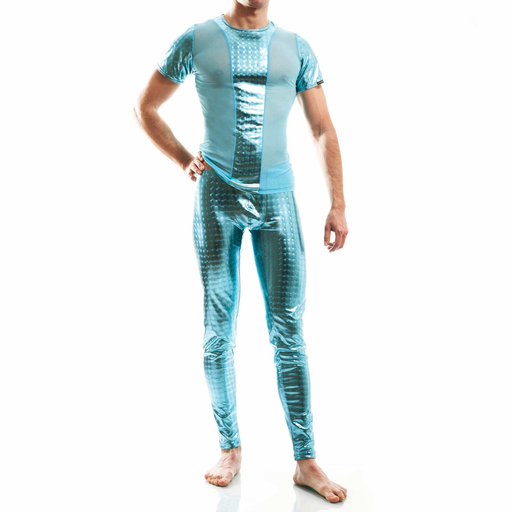 Dieser Blue Square T-Shirt 409T428 gehört zu den Wojoer LIVE-Produkten. Sie werden ab Bestellung bei uns produziert. So können wir auf Kundenwünsche individuell eingehen. Größen Erhältlich in den Größen S, M, L, XL Materialzusammensetzung 95% Polyester, 5% Elasthan Besonderheiten LIVE-Produkt | dehnbarer metallic-Look | angenehme Passform…